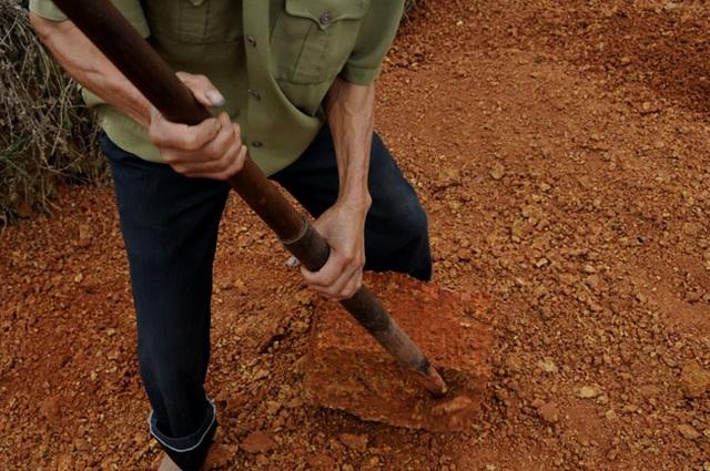 Kỳ công nghề đá ong ở Bình Yên - 2