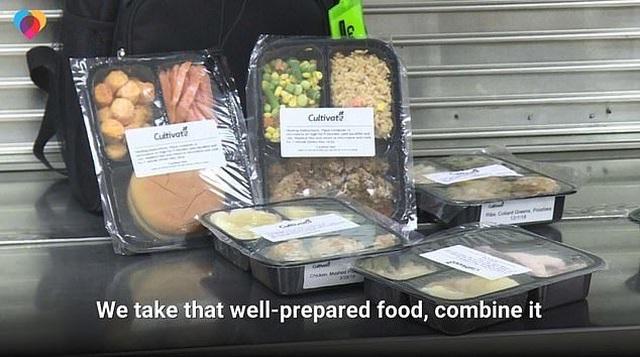 Mỹ: Căng- tin trường học phát thức ăn chưa sử dụng cho học sinh nghèo - 1