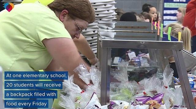 Mỹ: Căng- tin trường học phát thức ăn chưa sử dụng cho học sinh nghèo - 2