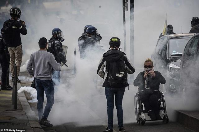 Phe Áo vàng xuống đường, bạo động bùng phát trở lại tại Pháp - 7