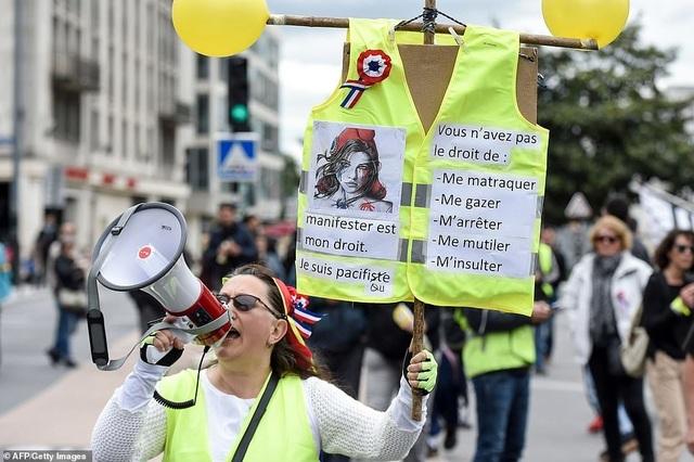 Phe Áo vàng xuống đường, bạo động bùng phát trở lại tại Pháp - 9