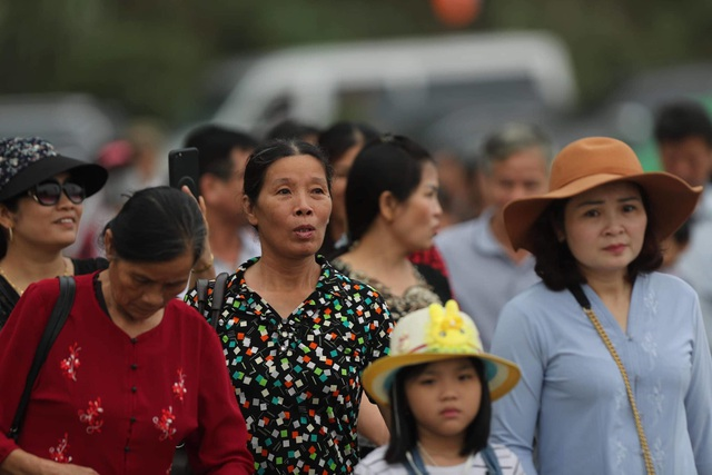 Hàng vạn người đổ về chùa Tam Chúc dự Đại lễ Phật đản Vesak 2019 - 2