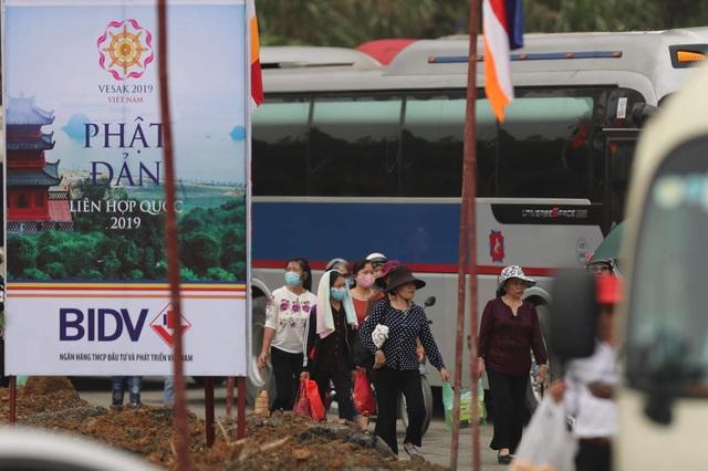 Hàng vạn người đổ về chùa Tam Chúc dự Đại lễ Phật đản Vesak 2019 - 6