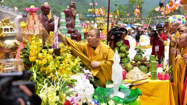 Nghi lễ tắm Phật truyền thống tại chùa Tam Chúc - 7