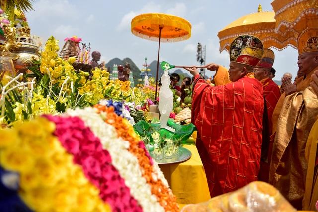 Nghi lễ tắm Phật truyền thống tại chùa Tam Chúc - 2