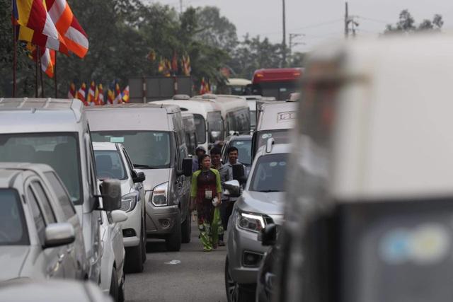Hàng vạn người đổ về chùa Tam Chúc dự Đại lễ Phật đản Vesak 2019 - 11