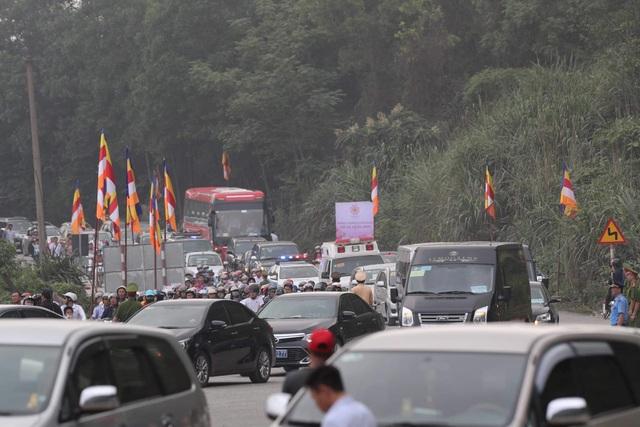 Hàng vạn người đổ về chùa Tam Chúc dự Đại lễ Phật đản Vesak 2019 - 13