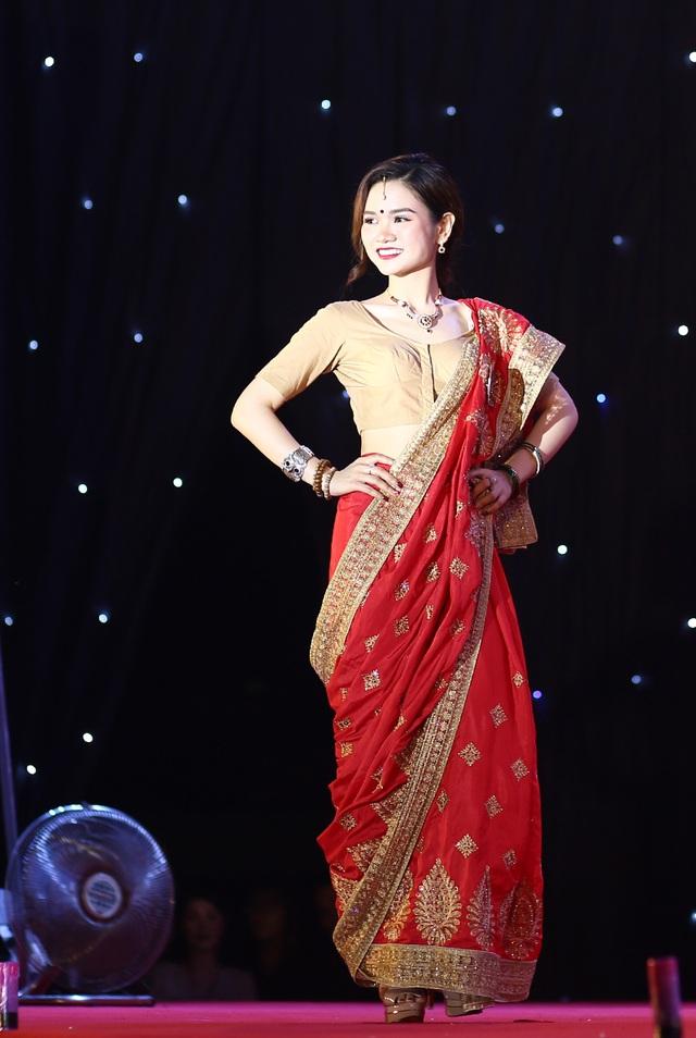 Nam thanh nữ tú ĐHQG Hà Nội khoe sắc với trang phục truyền thống 5 châu - 9