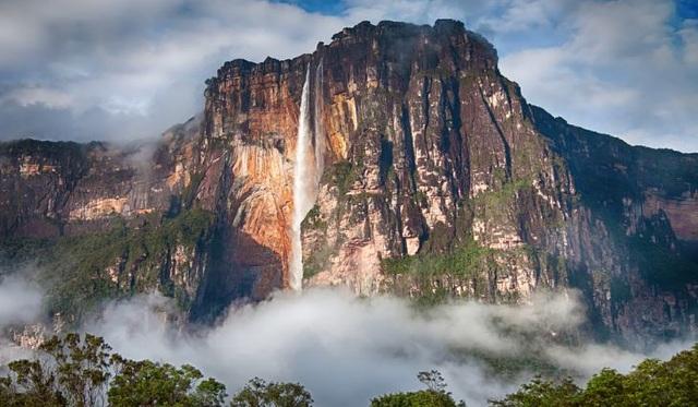 Ngọn thác cao nhất thế giới, nước chưa chạm đáy đã bốc hơi - 2