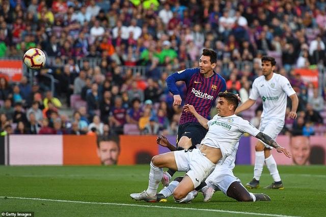 Barcelona đẩy Getafe vào thế khó trong cuộc đua dự Champions League - 8