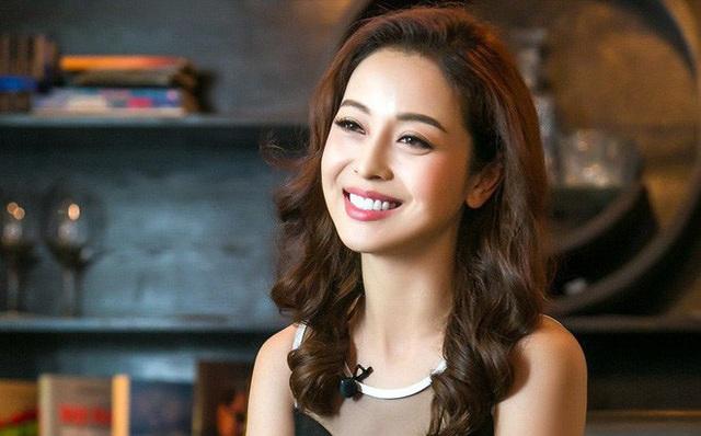 Hoa hậu Jennifer Phạm xin lỗi vì ngất xỉu khi đang dẫn chương trình - 1