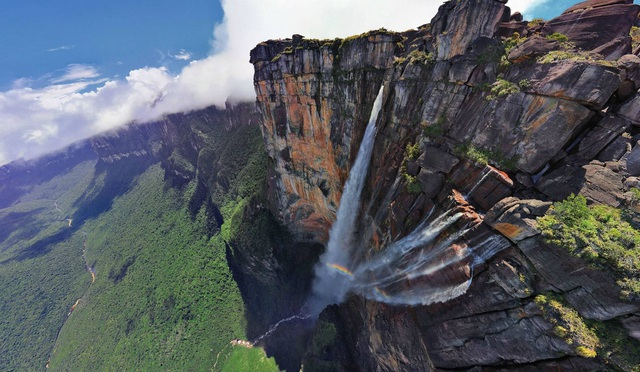 Ngọn thác cao nhất thế giới, nước chưa chạm đáy đã bốc hơi - 4