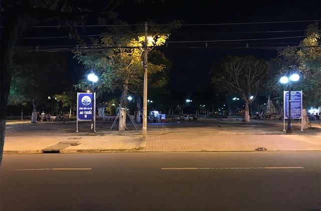 2 cô gái Tiền Giang ra công viên đánh nhau, 1 chàng trai bị đâm chết - 1