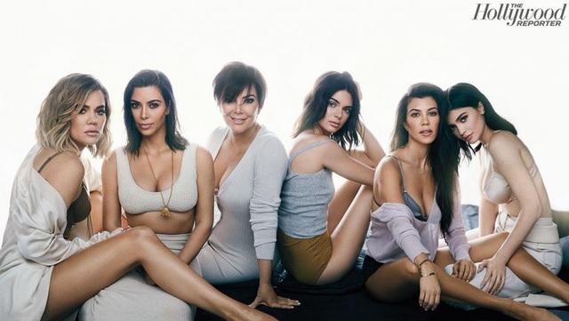 Bà mẹ của những cô con gái giàu có nhất Hollywood tiết lộ bí quyết dạy con - 2