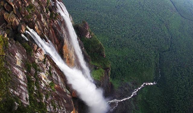 Ngọn thác cao nhất thế giới, nước chưa chạm đáy đã bốc hơi - 3