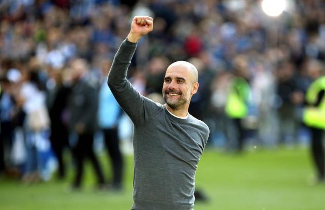 Man City hạnh phúc nhận cúp bạc vô địch Premier League - 5