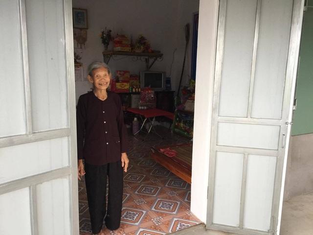 Niềm hạnh phúc cuối đời của cụ bà 85 tuổi được bạn đọc Dân trí giúp đỡ xây ngôi nhà mới - 2