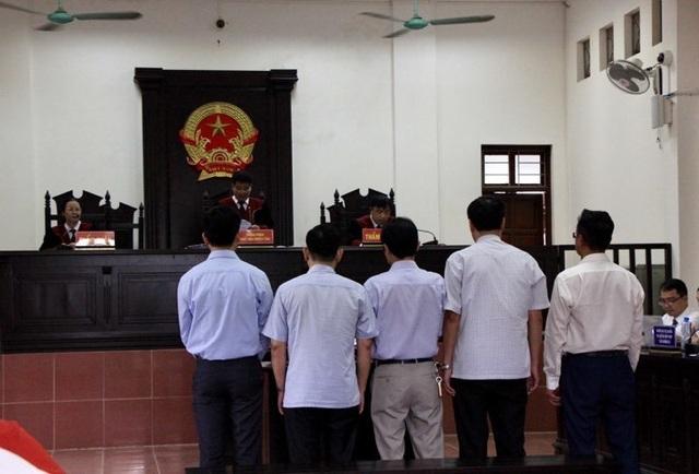 Hoãn phiên xử phúc thẩm bác sỹ Hoàng Công Lương - 4