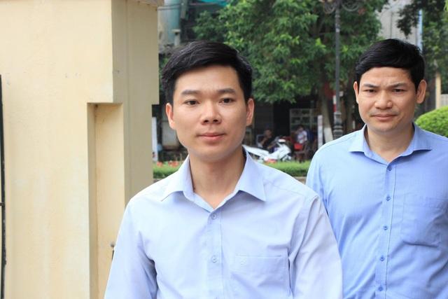 Hoãn phiên xử phúc thẩm bác sỹ Hoàng Công Lương - 1