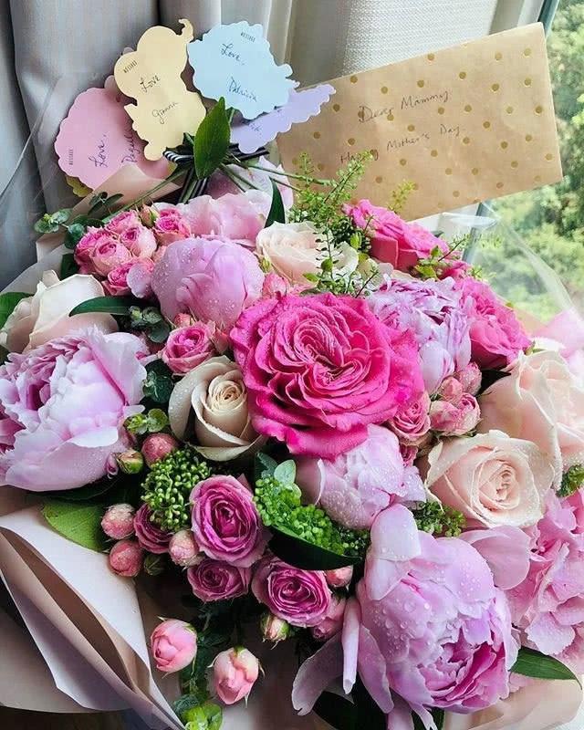 Lâm Tâm Như, Lê Tư, Trương Bá Chi đón Ngày của Mẹ ấm áp - 9