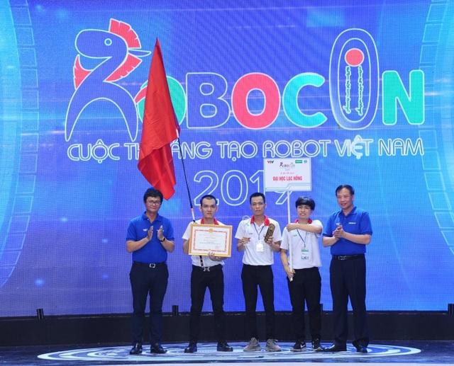 Trường ĐH Lạc Hồng lần thứ 9 vô địch cuộc thi Robocon Việt Nam - 3