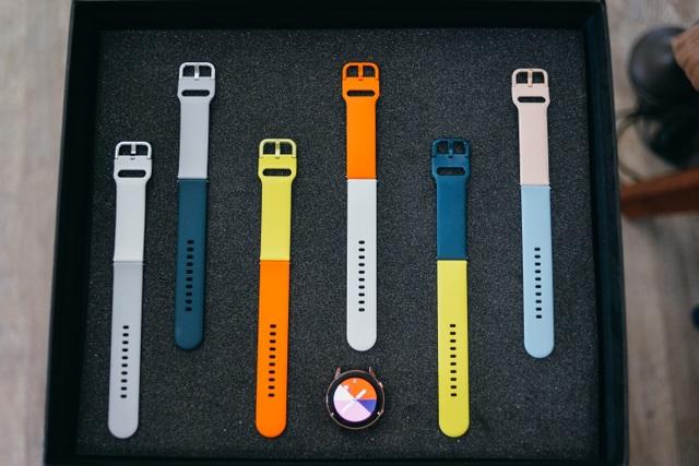 """Hana Giang Anh """"biến hóa khôn lường"""" với đồng hồ Galaxy Watch Active - 4"""