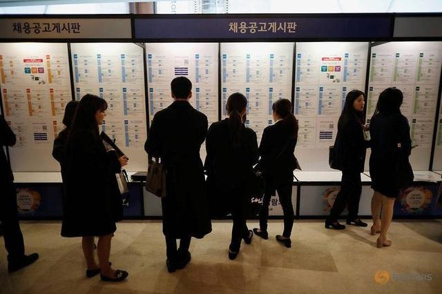 Tỷ lệ thất nghiệp cao, thanh niên Hàn Quốc đổ xô ra nước ngoài săn việc - 2