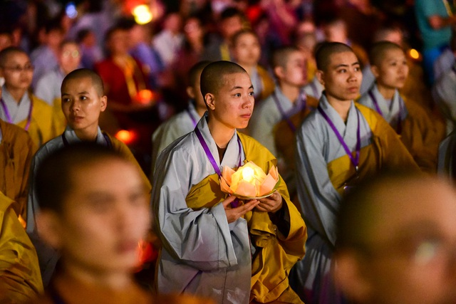 Lễ hội hoa đăng cầu nguyện hòa bình thế giới tại chùa Tam Chúc - 18