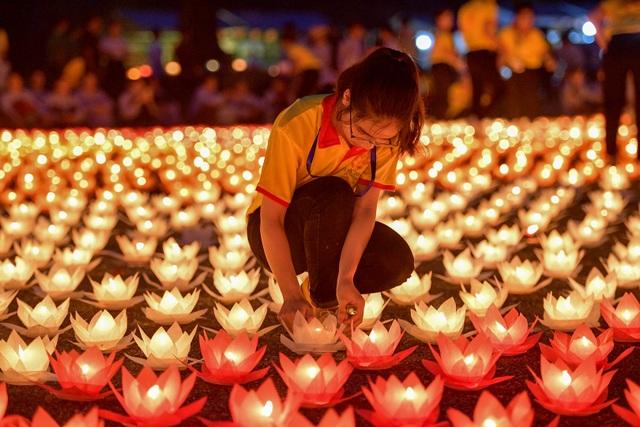Lễ hội hoa đăng cầu nguyện hòa bình thế giới tại chùa Tam Chúc - 6