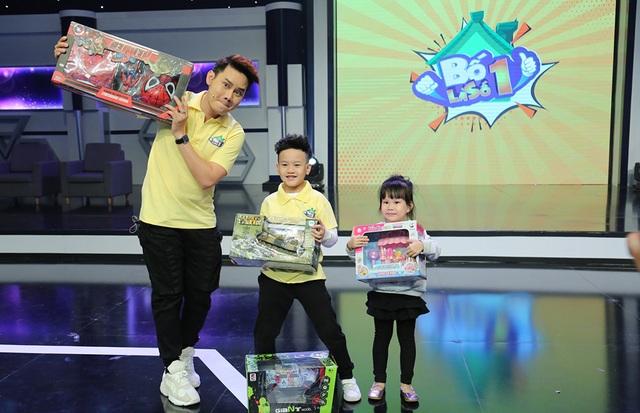 """Huy Khánh bị con gái """"vạch mặt"""" trên sóng truyền hình - 9"""