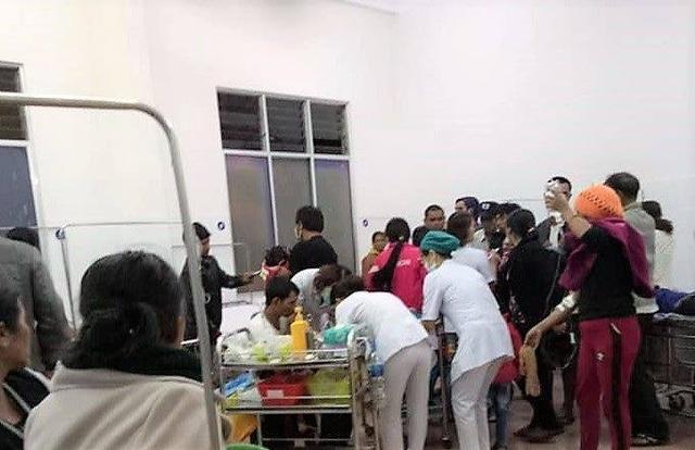 Vụ 136 người nghi ngộ độc thực phẩm: Cơ sở nấu ăn cung cấp cho tiệc cưới hoạt động chui! - 1