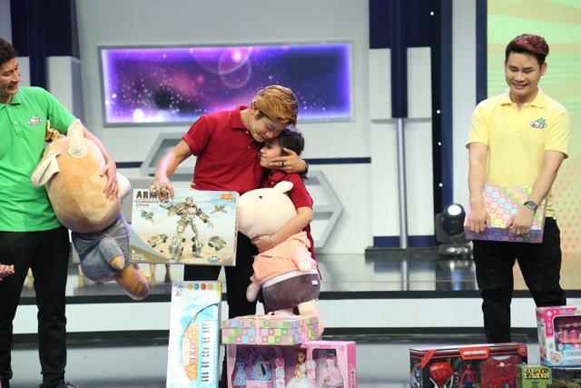 """Huy Khánh bị con gái """"vạch mặt"""" trên sóng truyền hình - 8"""