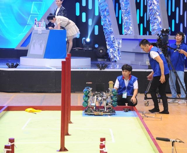 Trường ĐH Lạc Hồng lần thứ 9 vô địch cuộc thi Robocon Việt Nam - 1
