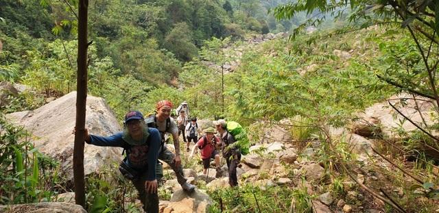 Kinh nghiệm chinh phục địa danh hiểm trở bậc nhất Việt Nam - 2