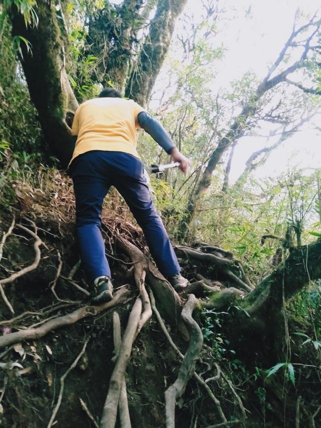 Kinh nghiệm chinh phục địa danh hiểm trở bậc nhất Việt Nam - 11