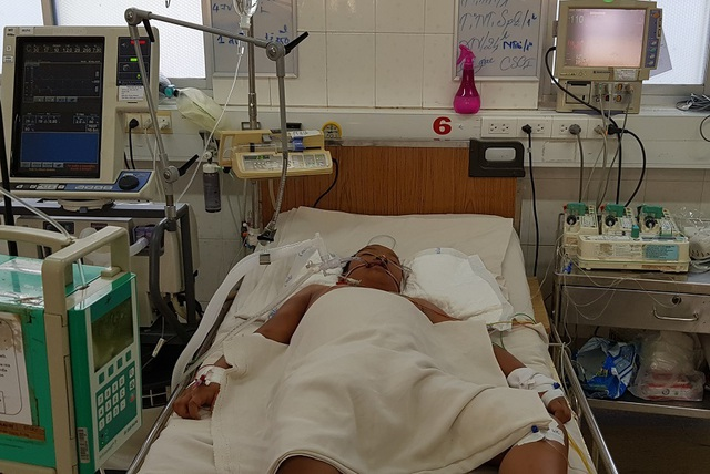 Cứu sống bệnh nhi hộc máu, suy đa tạng sốc sốt xuất huyết - 1