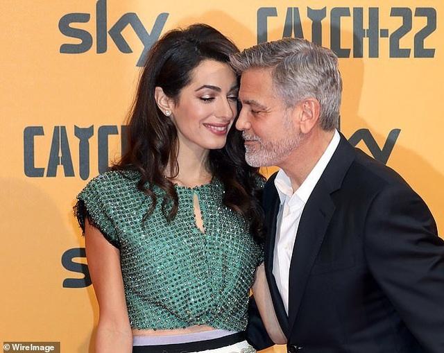George Clooney tình tứ bên vợ kém 17 tuổi - 1