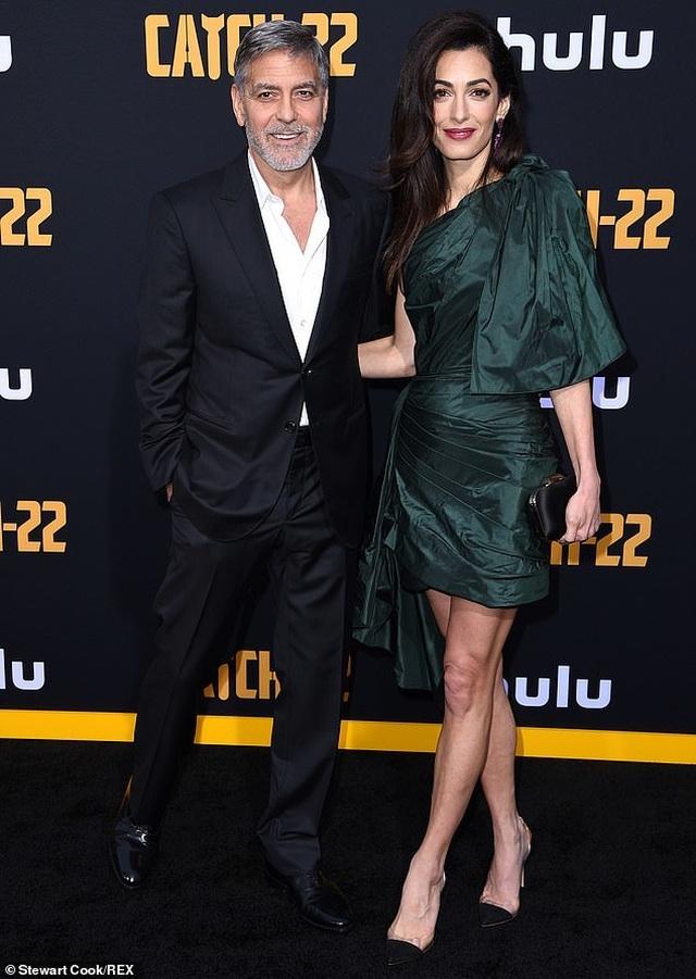 George Clooney tình tứ bên vợ kém 17 tuổi - 7