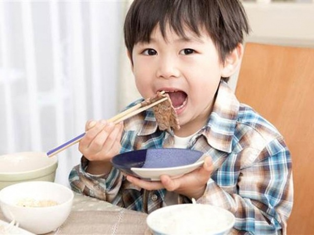 5 nguyên tắc vàng của mẹ Nhật giúp con hết biếng ăn - 1