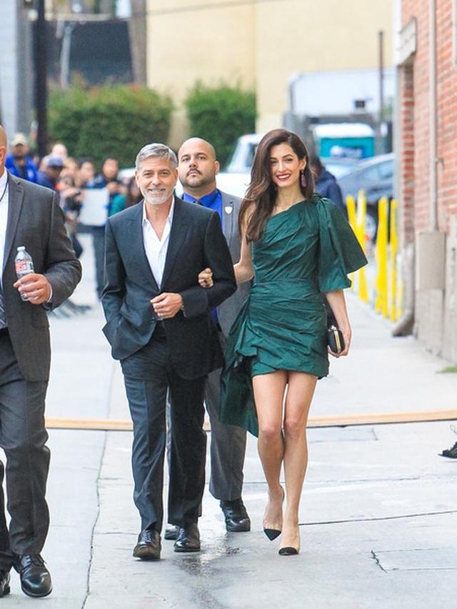 George Clooney tình tứ bên vợ kém 17 tuổi - 8
