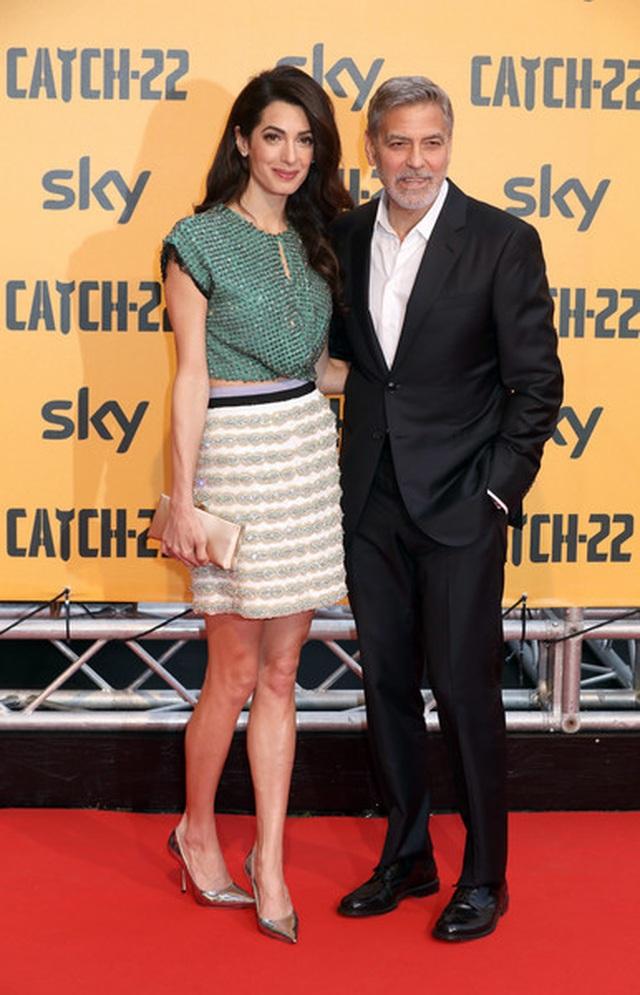 George Clooney tình tứ bên vợ kém 17 tuổi - 5