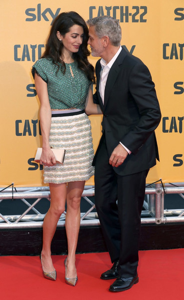 George Clooney tình tứ bên vợ kém 17 tuổi - 6