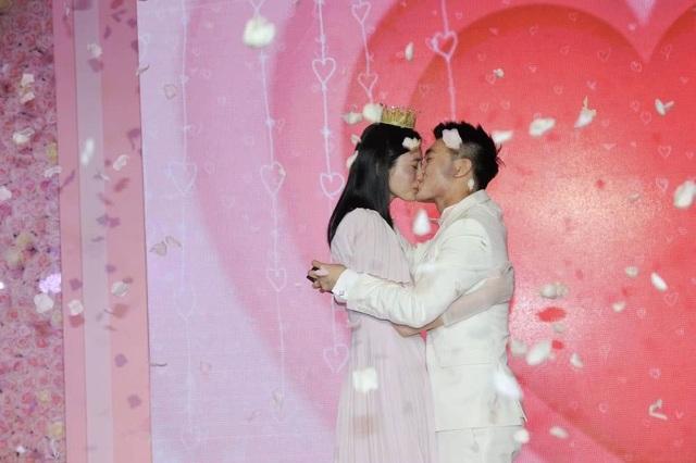 Cộng đồng mạng xứ Trung xôn xao vì màn cầu hôn như phim của người mẫu nội y Hề Mộng Dao - 6