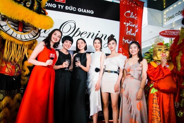 Tổng công ty Đức Giang ra mắt showroom thời trang đầu tiên tại TPHCM - 2