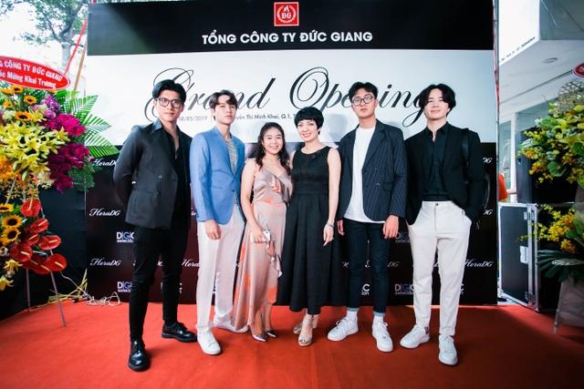 Tổng công ty Đức Giang ra mắt showroom thời trang đầu tiên tại TPHCM - 3