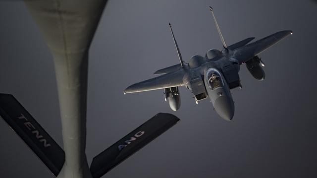 Vùng Vịnh căng thẳng, pháo đài bay B-52 của Mỹ áp sát Iran - 5