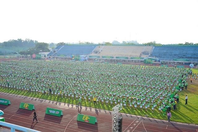 6.146 học sinh và hình ảnh ấn tượng về buổi đồng diễn đạt kỷ lục Guiness Việt Nam - 1