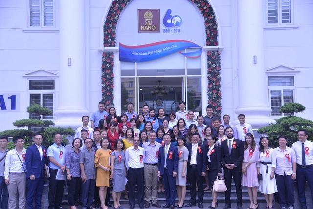 Ra mắt mạng lưới cựu sinh viên trường Đại học Hà Nội - 2
