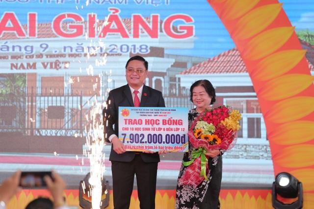 Tập đoàn giáo dục Quốc tế Nam Việt được giao chỉ tiêu tuyển sinh 850 học sinh lớp 10 - 2