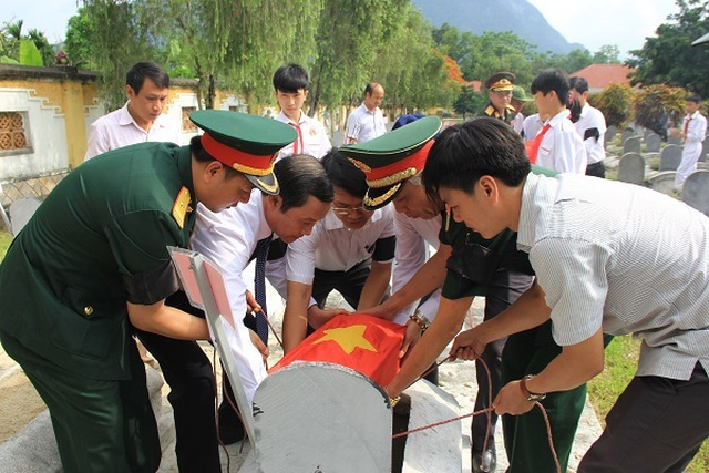 Nghệ An, Thanh Hóa tổ chức lễ an táng hài cốt liệt sĩ hy sinh tại Lào - 8